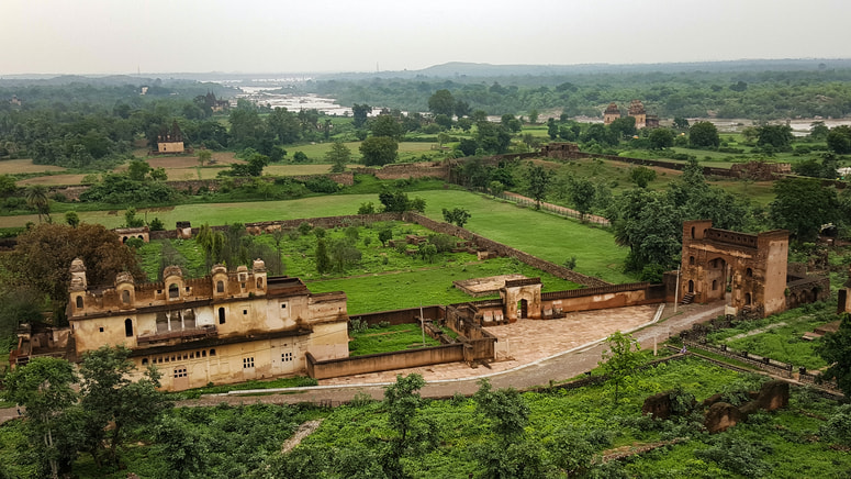 Orchha Fort Historical Places In Madhya Pradesh